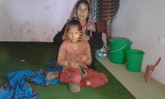 सानैमा बाबु गुमाएकी बालिकाको आर्थिक अभावले उपचार हुन सकेन
