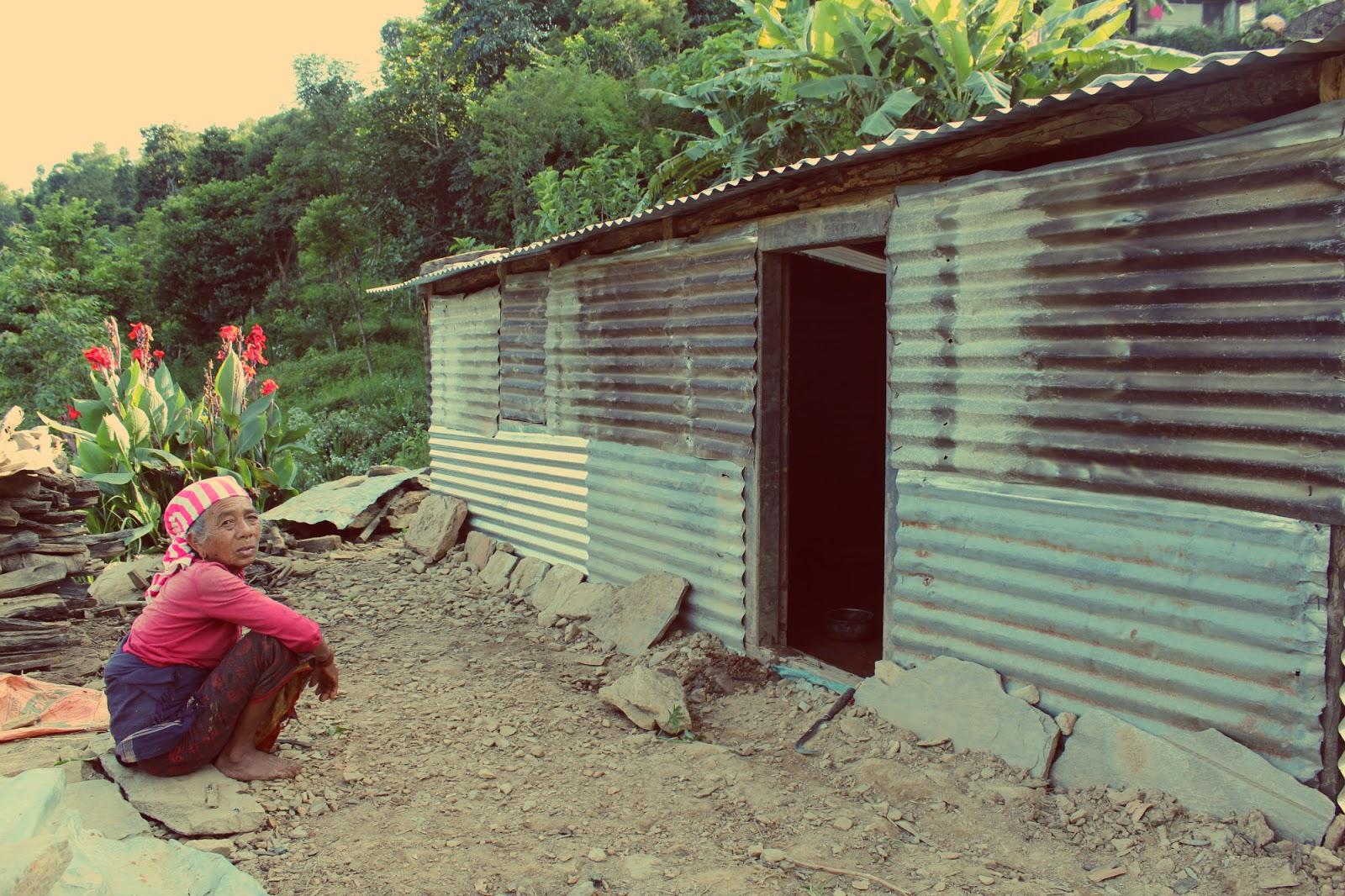 बैंकले काट्यो लमजुङका भूकम्पपीडितको रकम