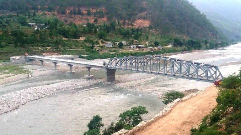 कर्णाली नदीमा पक्की पुल बनेसँगै यात्रा गर्न सहज