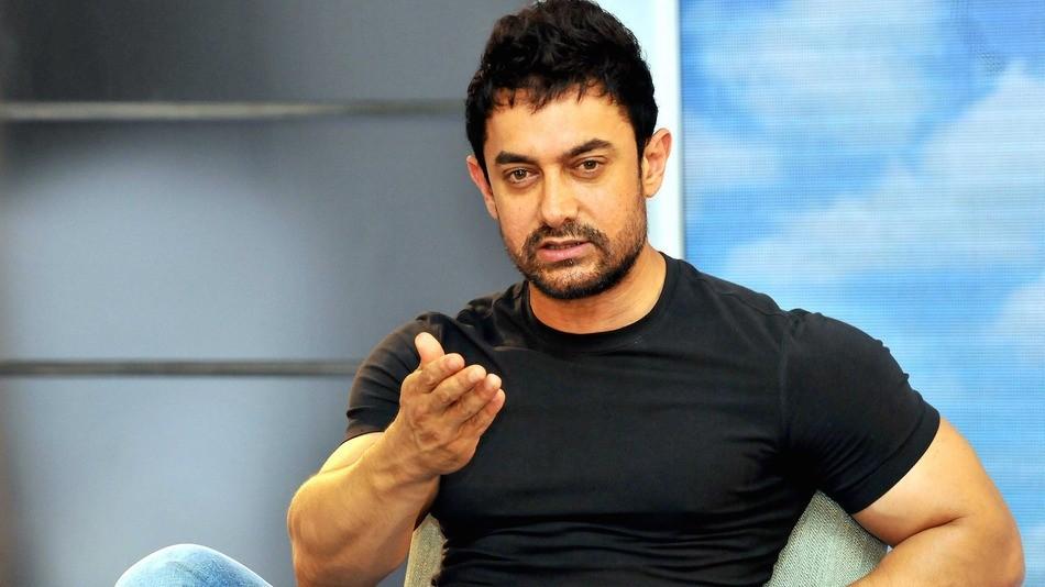 किन ट्रोल भए आमिर खान ?