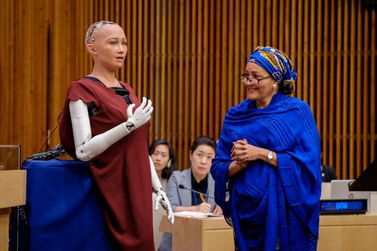 विश्वमै पहिलोपटक नागरिकता पाएको रोबोटलार्इ बुधबार नेपाल ल्याइँदै