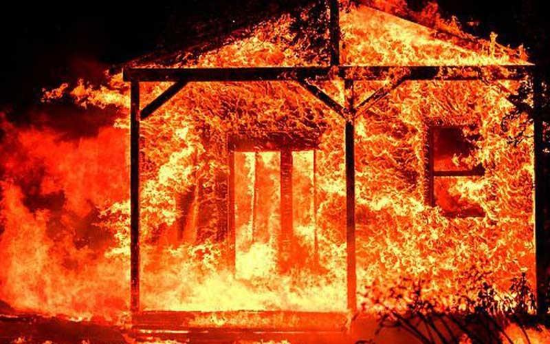 फर्निचर उद्योगमा आगलागी, २० लाखको क्षति