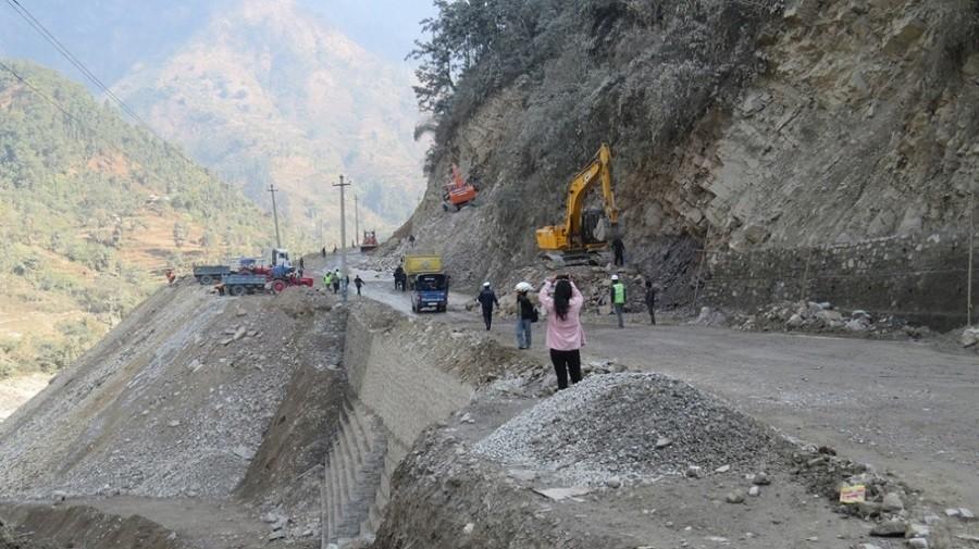 मुग्लिन–नारायणगढ सडकखण्ड आजबाट दैनिक ६ घण्टा बन्द