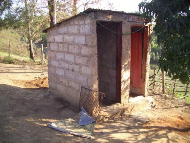 ५६ घर, चार शौचालयको भर !