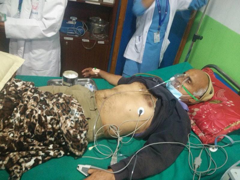 सरकारले खटाएका चिकित्सकबाट उपचार गराउँदैनः डा. केसी
