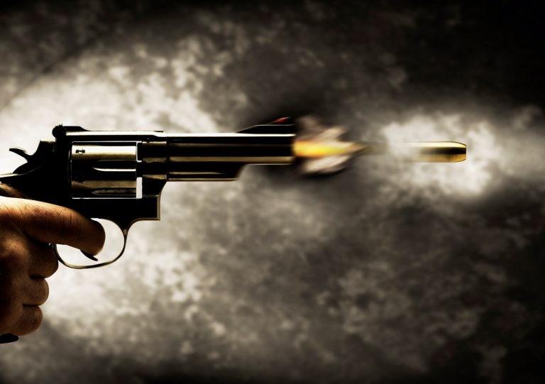 पूर्वउपसचिव शर्माको घरभित्र गोली हान्ने को?