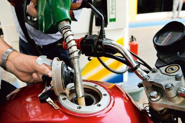 तेलको अन्तर्राष्ट्रिय मूल्य ६८% घट्दा नेपालमा ९ प्रतिशत मात्र घट्यो