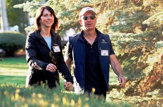 संसारकै धनी व्यक्ति जेफ बेजोसको २५ वर्षे वैवाहिक सम्बन्धमा पूर्णविराम