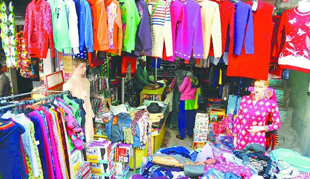 एकाबिहानै काठमाडाैंका व्यापारीले खोले सबै पसल