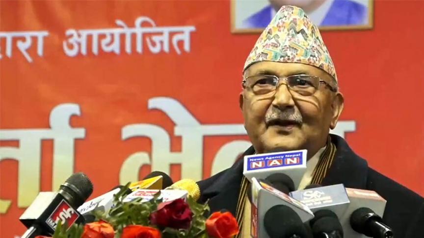 प्रचण्ड 'चटके', माधव नेपाल उनका मामुली कार्यकर्ताः प्रम ओली