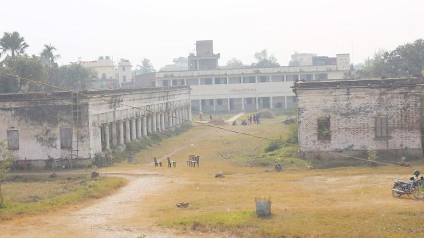 सरकारको वजेट मठमन्दिरमा, इतिहाँस वोकेको विद्यालयमा शौचालय पनि छैन