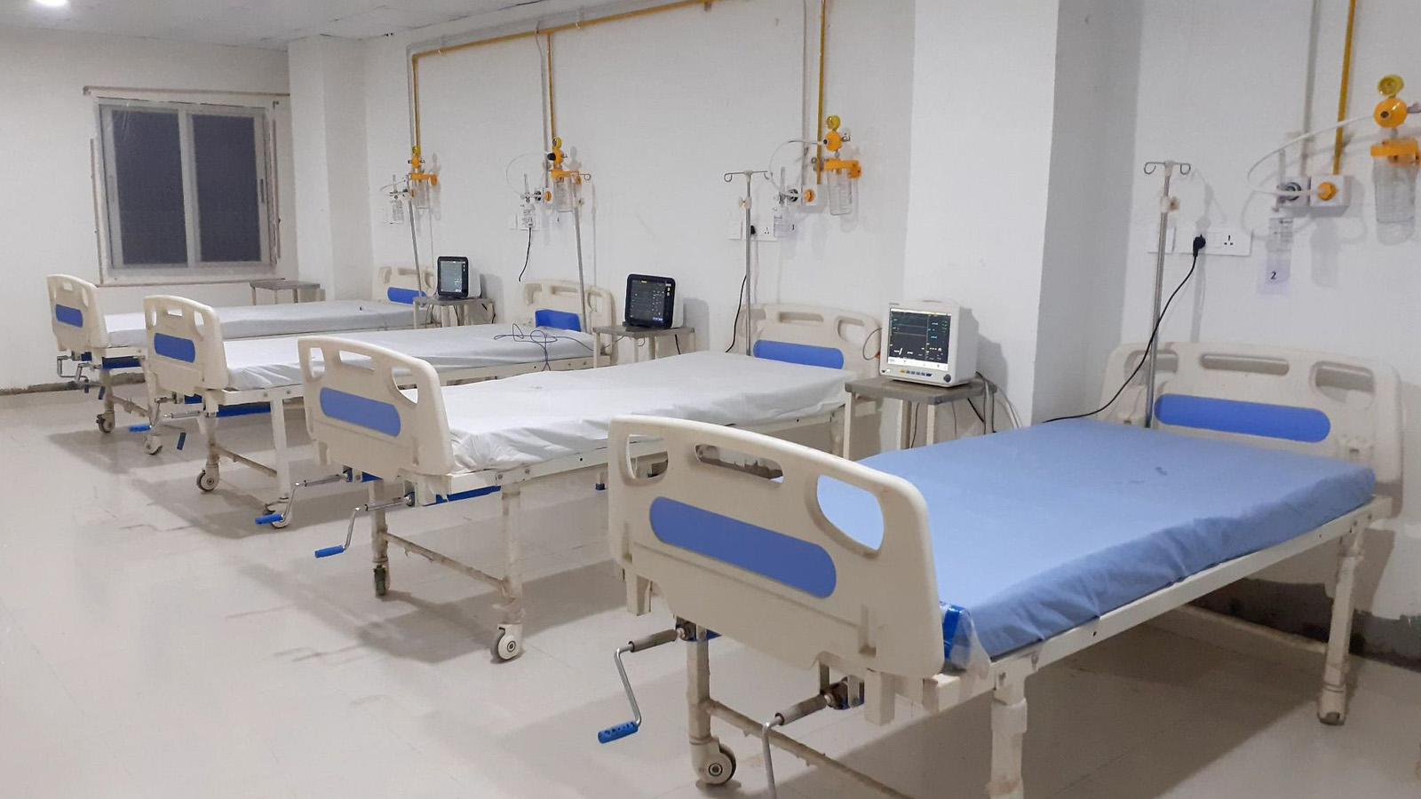 जटिल प्रकृतिका संक्रमितका कारण अस्पताल भरियो, आइशोलेसन रित्तै