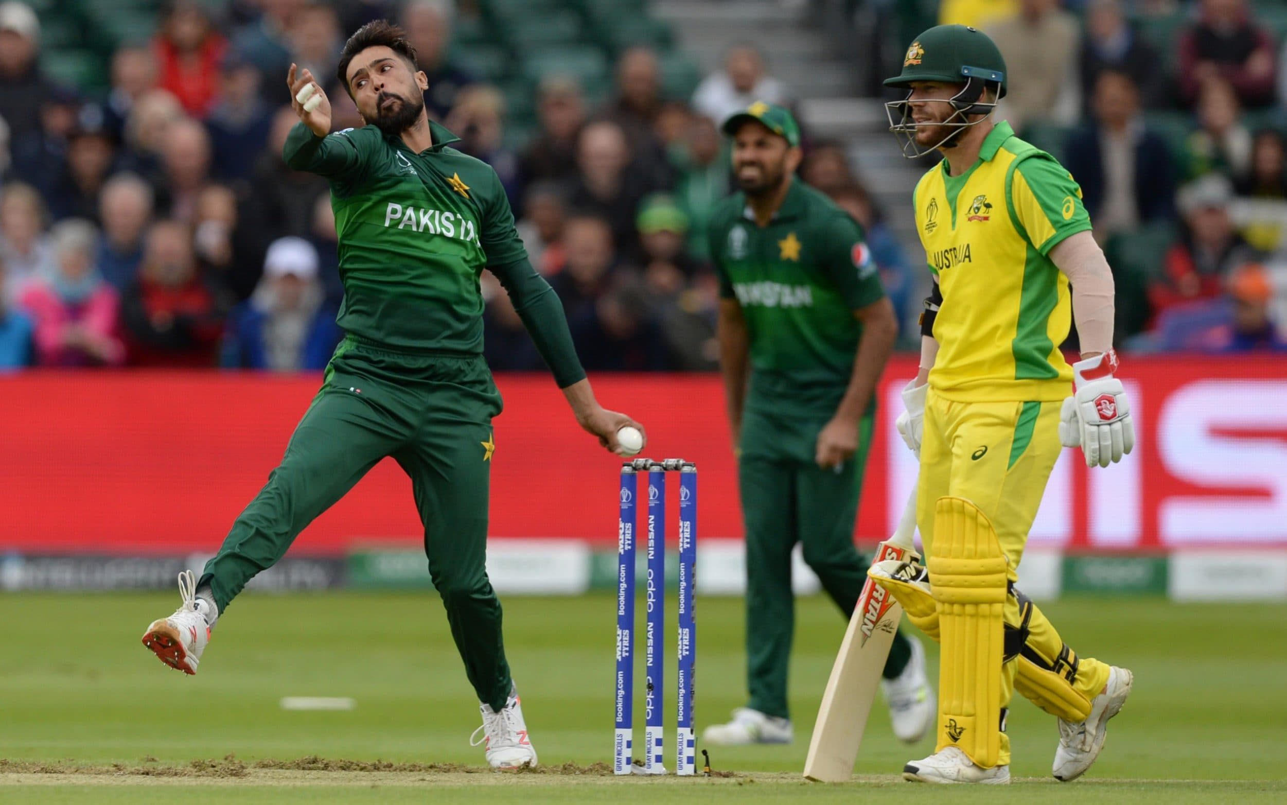 अष्ट्रेलिया ४९ ओभरमा ३०७ रनमा अलआउट, पाकिस्तानका आमिर एक्लैले लिए ५ विकेट