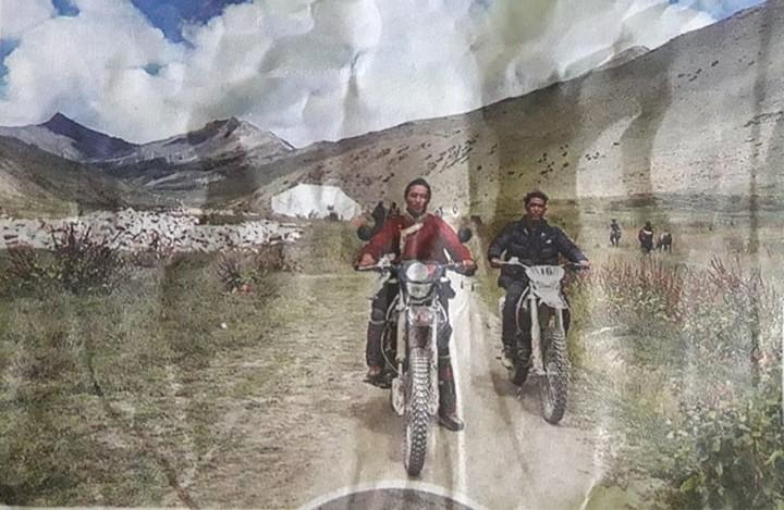 यार्शा बेचेको पैसाले तिब्बती गीत घन्काउँदै मोटरसाइकल भटटट्