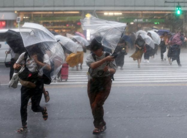 जापानको आँधीमा १८ जनाको मृत्यु