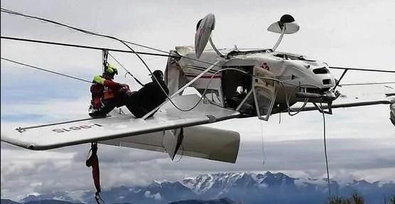 उडेको केहीबेरमैँ विमान दुर्घटना, तारमा अल्झियो विमान