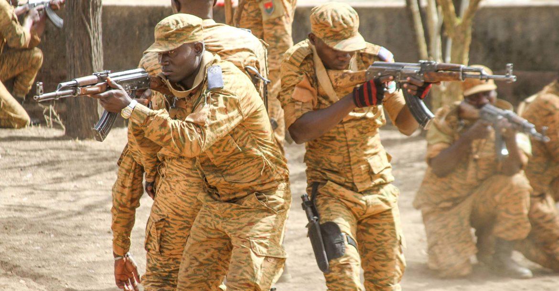आतङ्ककारी आक्रमणमा ७१ सैनिकको मृत्यु