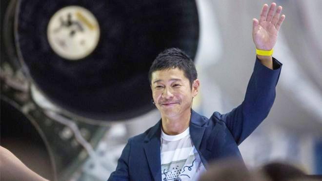 चन्द्रमा जाने 'गर्लफ्रेन्ड' खोग्दै छन् यी जापानी अर्बपति