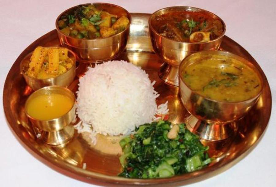 १० रुपैयाँमा पेटभरी बासमती चामलको भात!