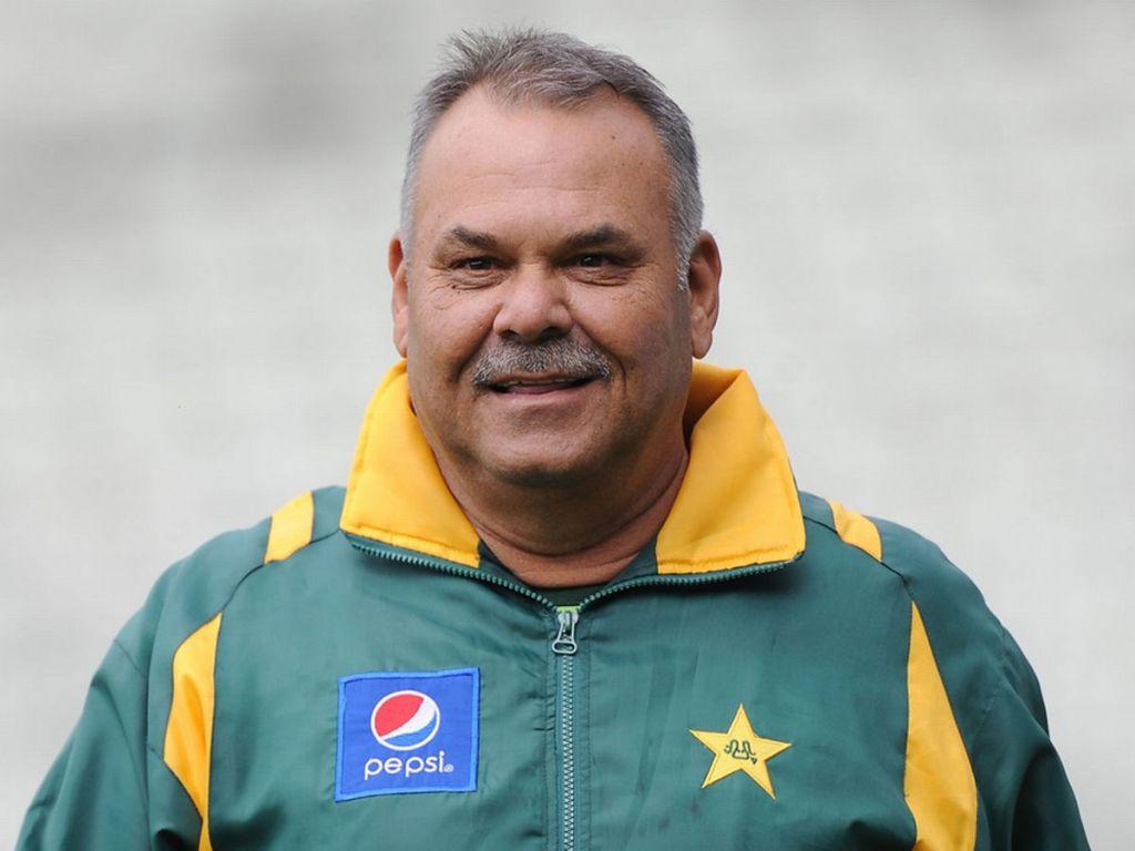 विश्वकप जिताएका वाटमोर सिंगापुर क्रिकेट टिमको नयाँ प्रशिक्षक