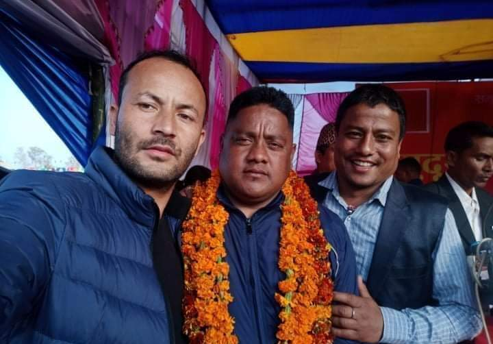 कांग्रेसबाट विजयी वडाध्यक्ष बोहरा नेकपा प्रवेश