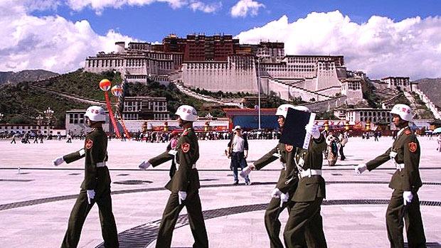 तिब्बतमा बालबालिकामाथि बौद्ध धर्मको पालना गर्न प्रतिबन्ध