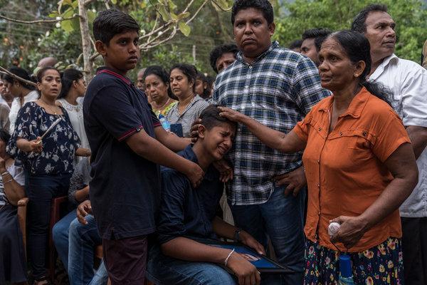 श्रीलङ्का बम विष्फोट: मृत्यु हुनेमा ४५ जना बालबालिका