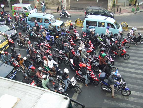 मोटरसाइकल नियन्त्रणमा ट्राफिक थप कडा बन्दै, यसै आर्थिक वर्षमा बक्स नियम लागु हुने