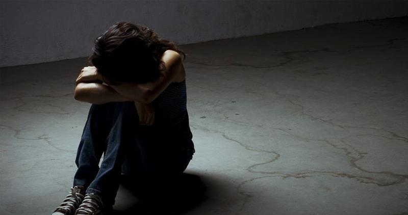 मदिरा खुवाएर १४ वर्षीयामाथि बलात्कार, काकी पक्राउ