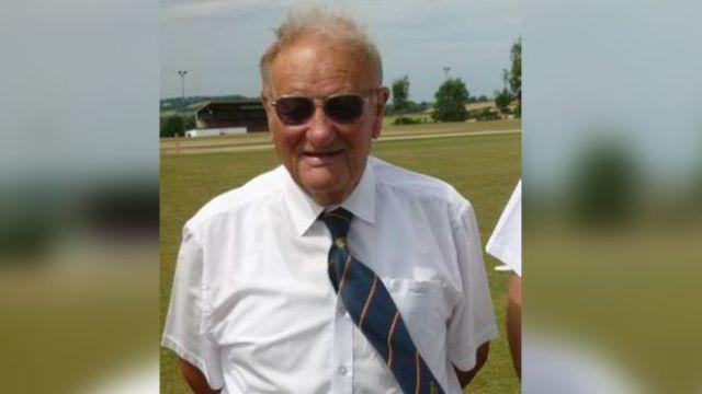 क्रिकेट बलले लागेर ८० वर्षीय एम्पायरको मृत्यु