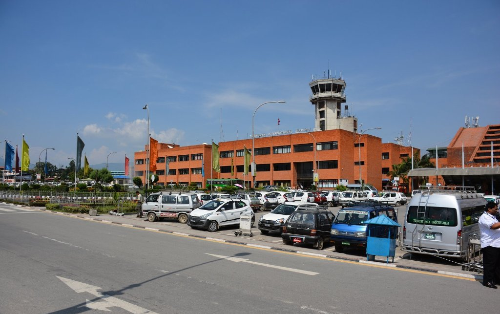 नेपाल आएका ३६ विदेशीलाई विमानस्थलबाटै फिर्ता