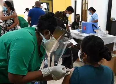 श्रीलंकाले चीनमा उत्पादित कोभिड १९ बिरुद्धको खोप रोकेर भारतीय खोप प्रयोग गर्दै