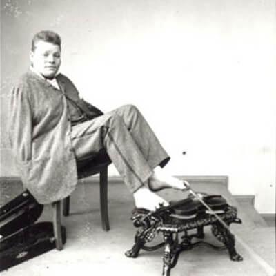 हातविनाका प्रख्यात संगीतकार