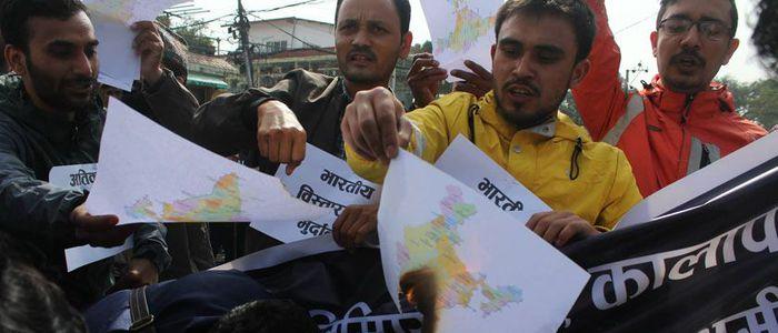 भारतीय दूतावास अगाडि भारतको नक्सा जलाईयो