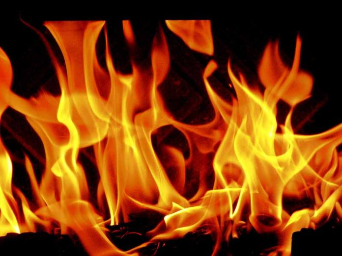 घर जलेपछि टहरोमा बास